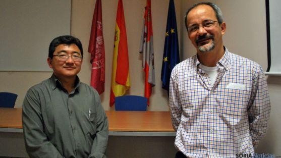 Los profesores Motoike (izda.) y De Carvalho.