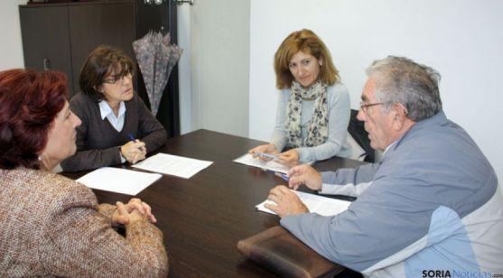 Angulo se reúne con la Federación de Jubilados de Soria
