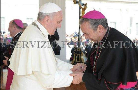 El Papa Francisco el Obispo Melgar