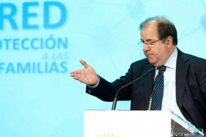 Herrera presenta la Red de Protección a las Familias afectadas por la crisis