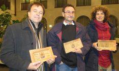 Los ganadores del certamen literiario.