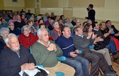 Asistentes al debate socialista sobre pensiones