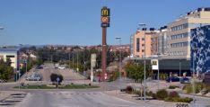 Entrada a Camaretas, donde está el centro comercial