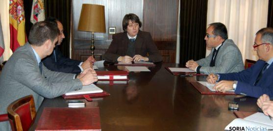 Reunión de Ayuntamiento, Subdelegación y Junta, sobre la muralla