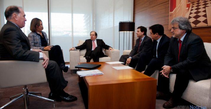 Portavoces de los grupos parlamentarios, con Herrera.