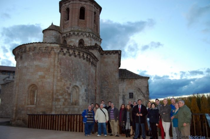 Los periodistas, con Pardo, en Almazán.