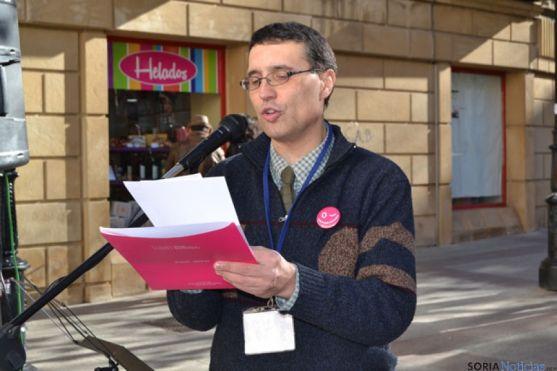 Joaquín de la Cuesta lee un manifiesto el Dia de la Constitución