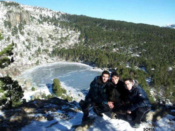 Visitantes en la Laguna Negra el viernes 6