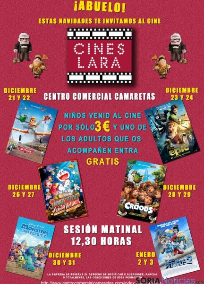 Niños y adultos en el cine de Camaretas.