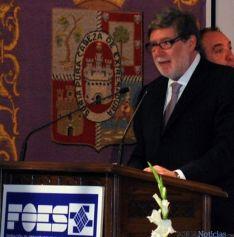 Santiago Aparicio, en solitario para liderar FOES.