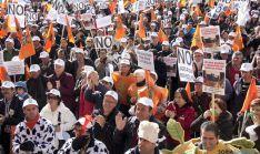 Concentración de UPA ante la sede del Ministerio.