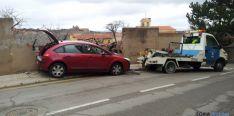 El coche se ha girado y ha tirado un muro