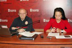 El sargento José Javier Gómez y la concejal Lourdes Andrés