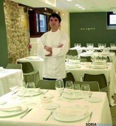Óscar García, en su restaurante Baluarte