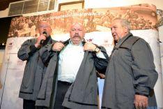 Iñigo y el equipo del programa de Pepa Bueno recibieron el título de mantanceros
