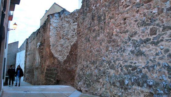 Tramo de la muralla que se desplomó el año pasado en El Vergel.