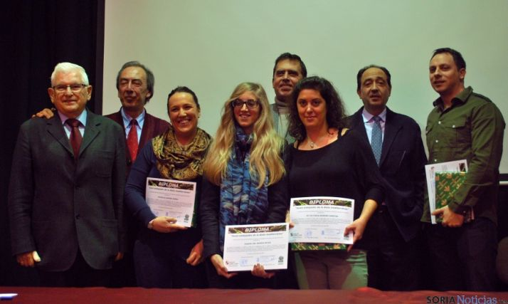 Las galardonadas, tras recibir sus premios como embajadoras de la Dieta Mediterránea.