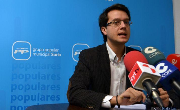 Tomás Cabezón en rueda de prensa.
