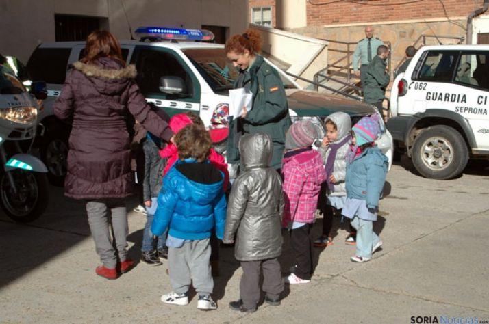 Los niños del Doce Linajes disfrutaron con la visita