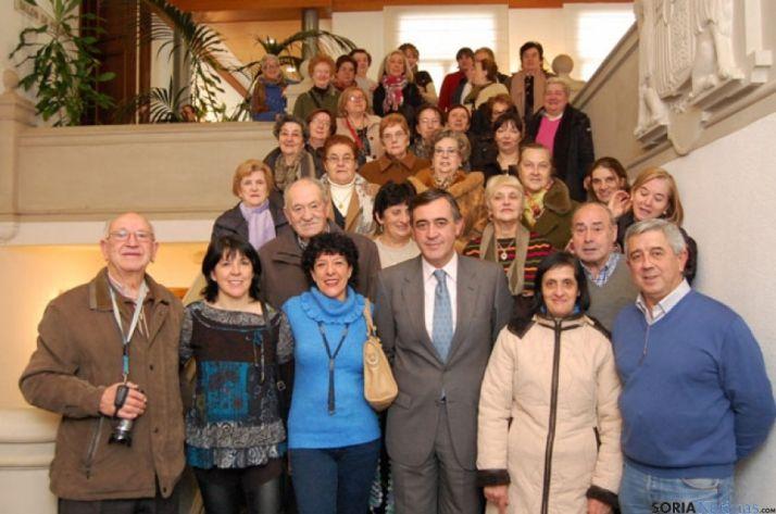 Vecinos de San Leonardo, en la Diputación