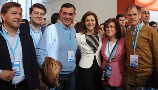 Martínez (izda.), Mañueco, Pardo, De Cospedal, Angulo y Antón, en  Valladolid.