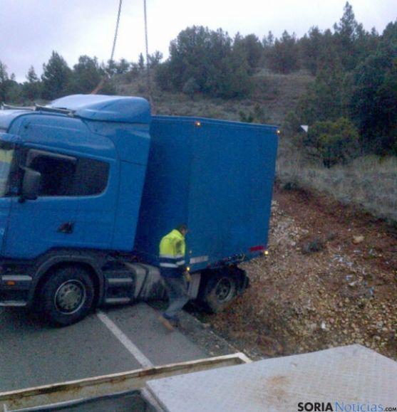 Cabeza tractora del camión en El Temeroso.