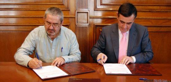 Rubén Vinuesa y Antonio Pardo fiman el convenio de ASPACE