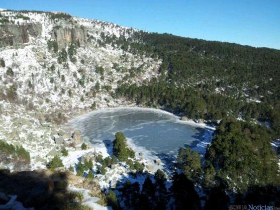 Vista aérea de la Laguna Negra helada/ SN
