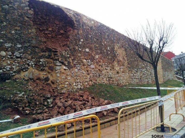 Boquete en el lienzo de muralla de la calla Santa Clara