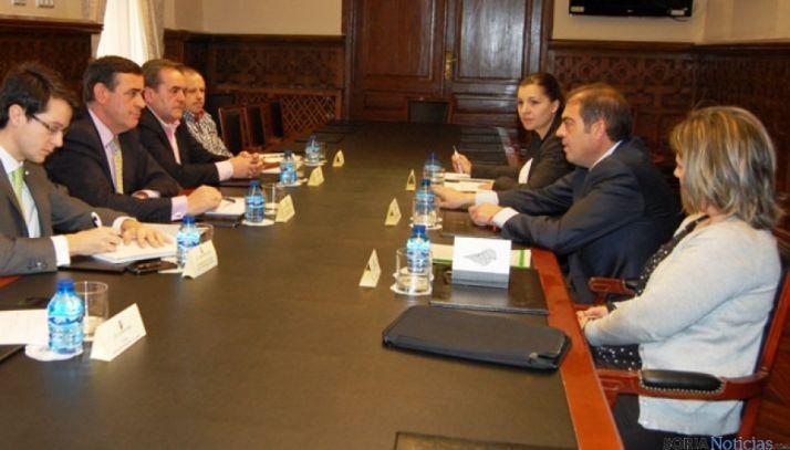 Reunión de la Diputación con responsable de ATA