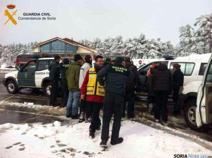 Foto 2 - 60 personas participan en el rescate de montaña de un matrimonio de Madrid con sus dos hijos y una pareja de Valladolid