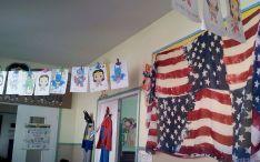 Una de las aulas decoradas al uso americano.