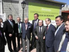 Los Consejeros de la Junta y otros representantes.