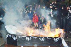 Foto 2 - El 'dolor' del Entierro de la Sardina pone fin a un carnaval más participativo