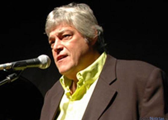 El artista canario Caco Senante.