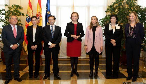 Representantes de las seis regiones.