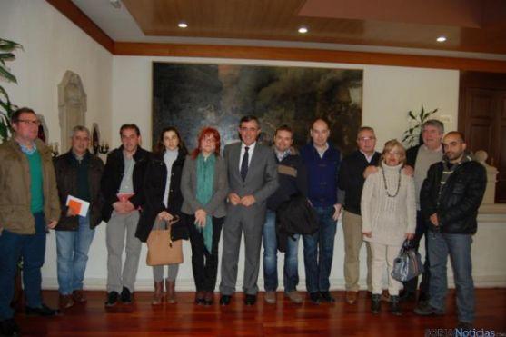 Alcaldes con el presidente de la Diputación.