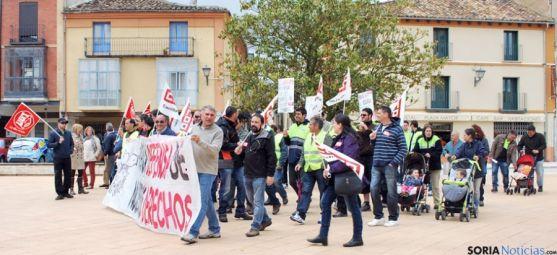 Concentración de empleados de Torraspapel este pasado verano en Almazán.