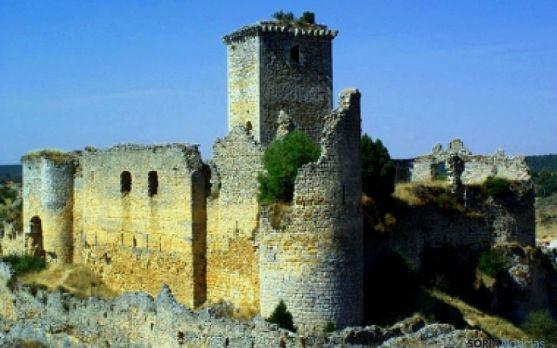 Imagen del castillo medieval de Ucero.