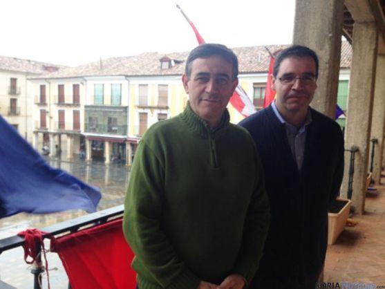 Antonio Pardo y Bejamín Prieto, en el Ayuntamiento de El Burgo