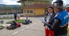 La concejal Lourdes Andrés, en el parque de tráfico.