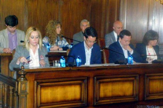 Concejales del PP en la sesión plenaria de este jueves. / SN