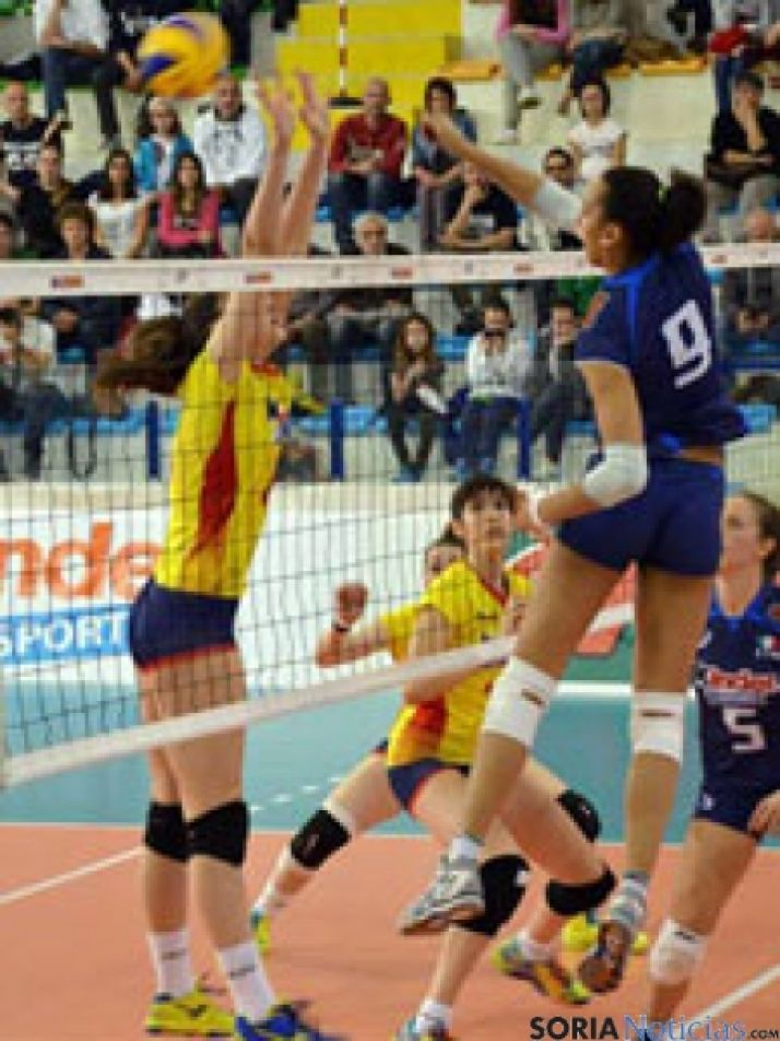Foto 1 - La selección junior femenina de voley termina tercera en el Preeuropeo