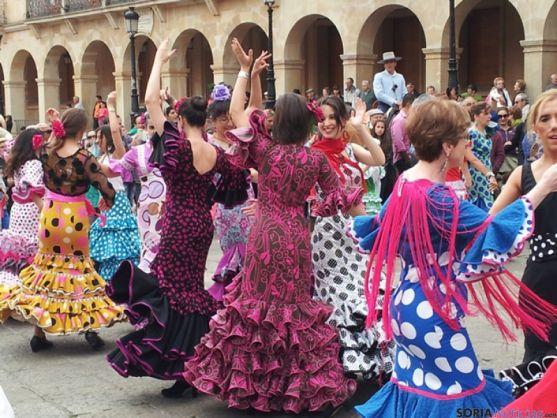 Sevillanas en la Plaza Mayor de Soria