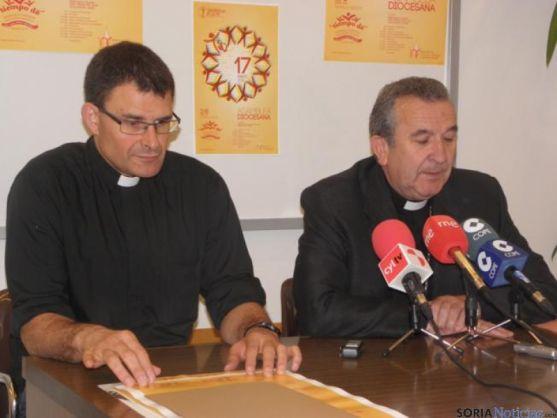Angel Hernández  y el Obispo, Monseñor Gerardo Melgar