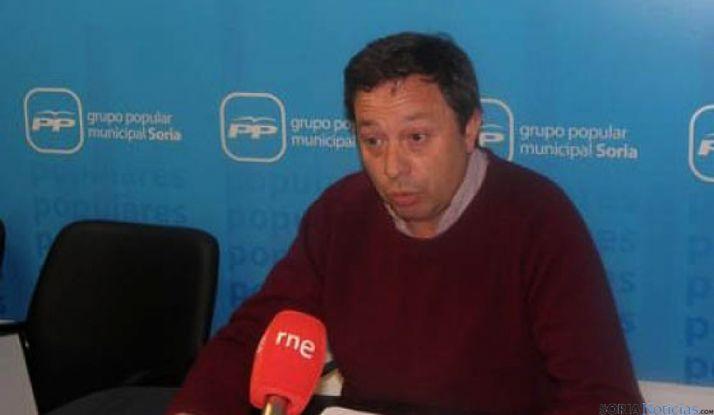 El concejal del PP, Adolfo Saínz, esta mañana. / SN