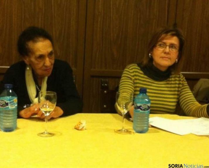 Martínez de Azagra junto a Marimar Angulo