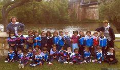 Los pequeños sanjuaneros en el río.