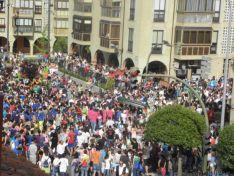 Concentración de sanjuaneros en las cercanías de la Concatedral