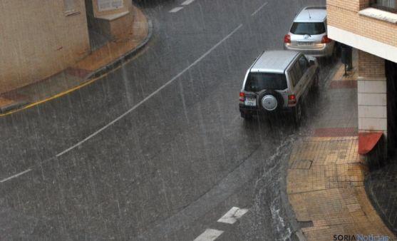 Imagen de Cortes de Soria con abundante agua en la calzada.